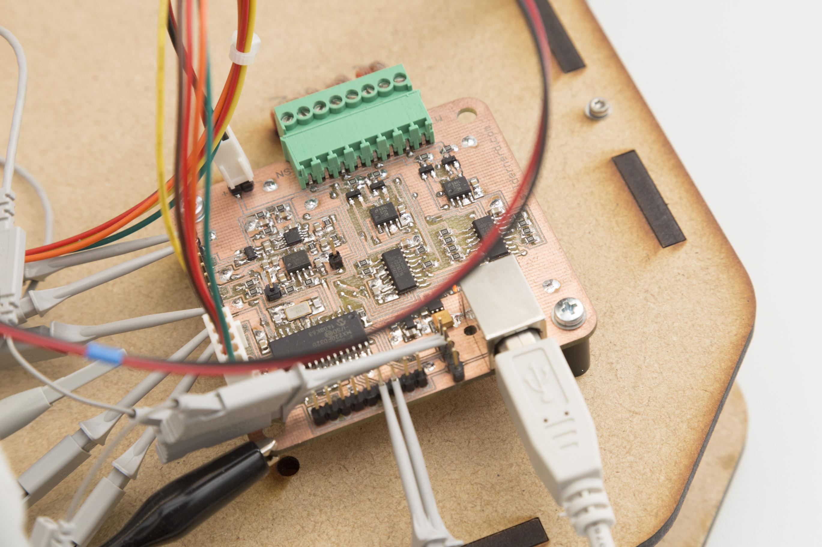 Zero Crossing Detector Soldernerd Envelope One Circuit A Week 20160514 Standaloneanemometer 048